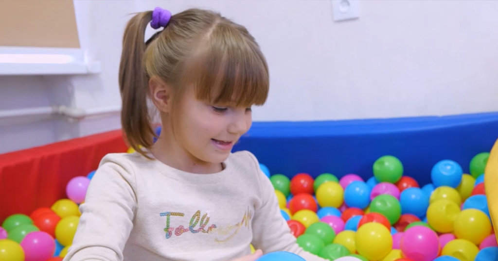 Helping Ukrainian Orphans to Find Families