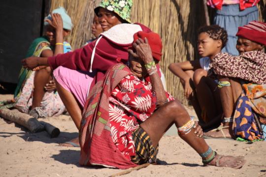 Ju'/hoansi Tribe members