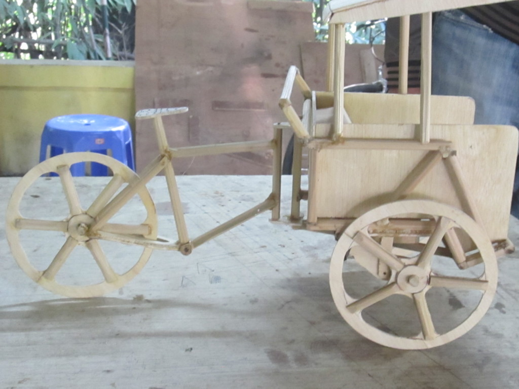 Bamboo becak model