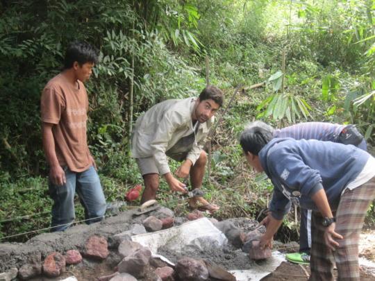 Our volunteer, Borja B Mendes, helps the building
