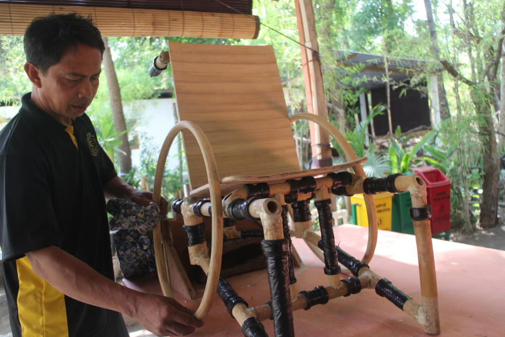 Setting the bamboo push rim