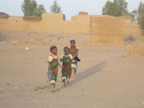 Kakondji girls on way to school