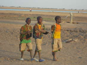 Kakondji boys on way to school