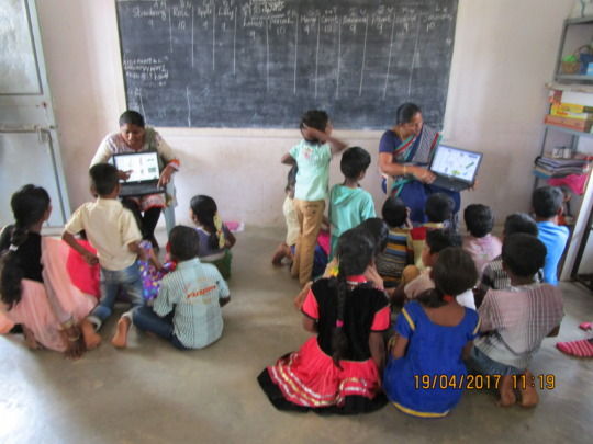 Teaching with laptops