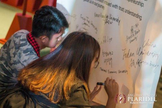 Participants commit support  for  SDGs through SE