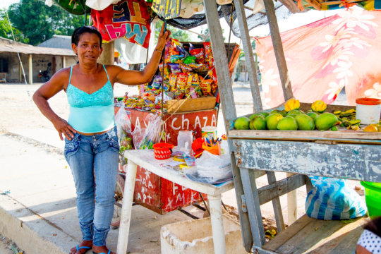 Rosa with her fruit and snack cart in Cartagena