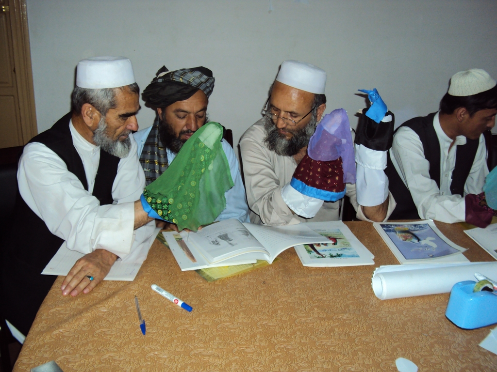 teachers learn to role model peace