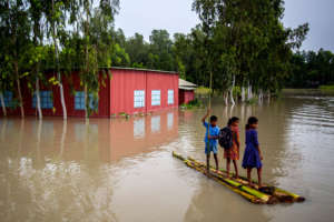Flood relief for 1,000 households in Bangladesh