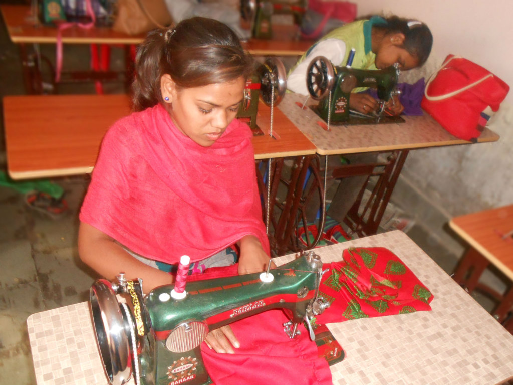 Give A Sewing machine to single mother's