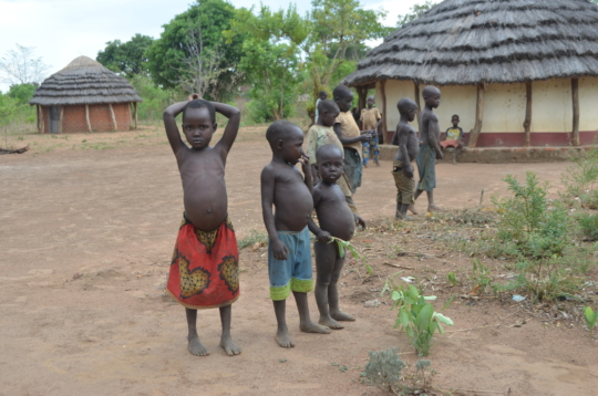 Hungry children in the dry season