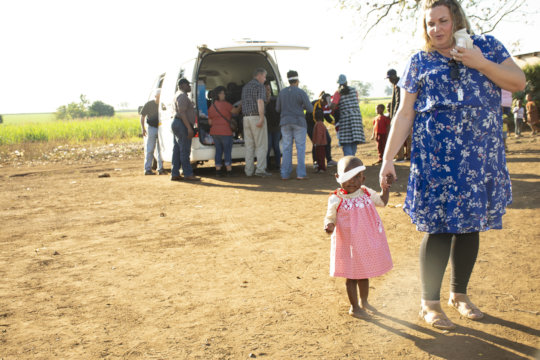 Aphiwe walking with Jessie Bohannon