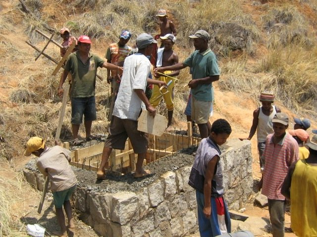 Building the water reservoir on the mountain 2006