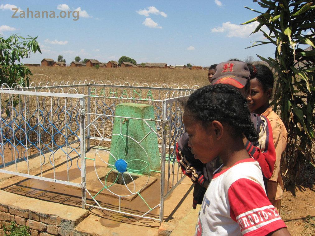 The new school water faucet in Fiadanana