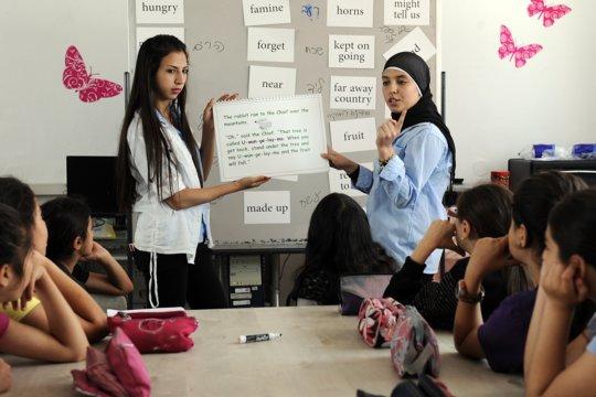 Learning English in Ramla. Photo: US Emb. Tel Aviv