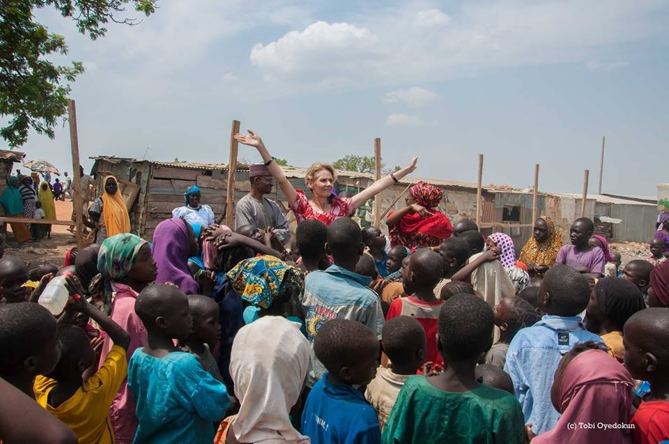 HTA singing with children at Wasa IDP settlement