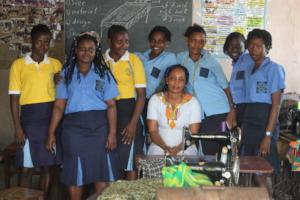 Kadijatu with her classmates