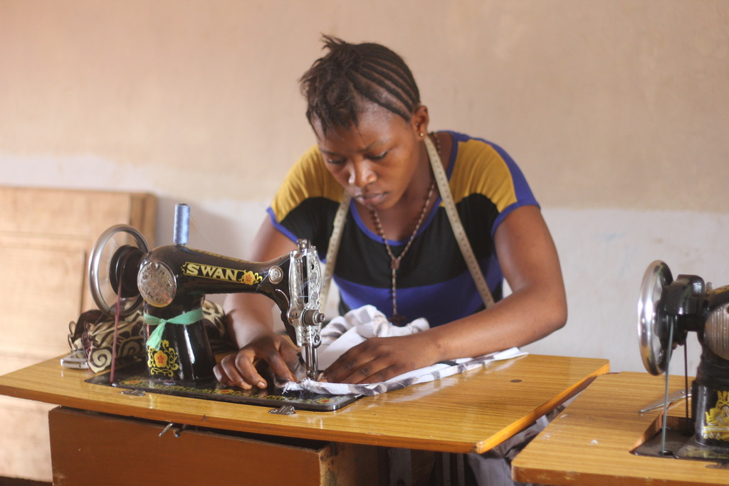 Tailoring project participant
