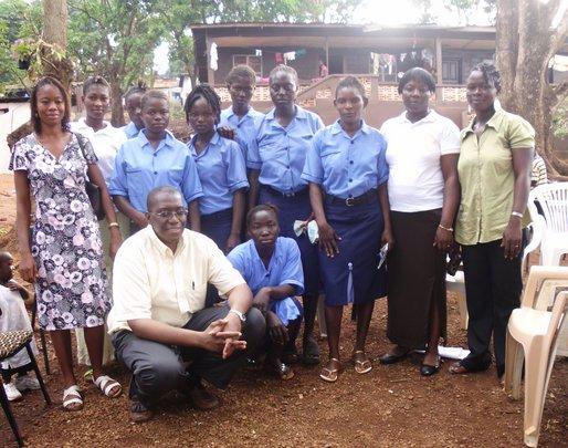 Sylvester + sewing training ladies Door of Hope