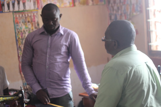 Sylvester - discussion with tailoring trainer