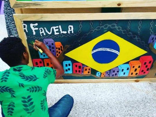 Miqueias, from low self-esteem to graffit artist!