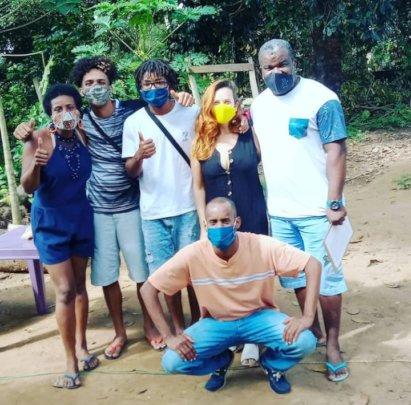 Viva a Vida's emergency aid distribution team