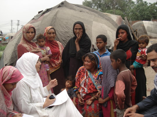 Muwakhat Team conducting interview with women