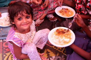food given to children and mothers at Eid Festival