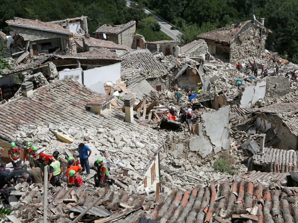 Minivans for Italy Earthquake relief activities