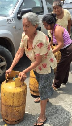 Distribution to elderly in Manabi province Ecuador