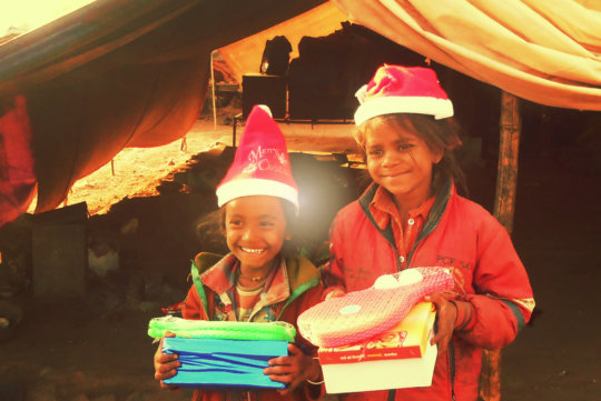 Joy Of Giving To Slum Kids In India This Christmas