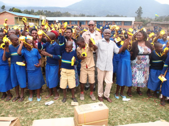Support poor rural pupils through 1000 solar lamps