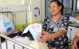 Grandma Surti doting on Jessi with love & patience