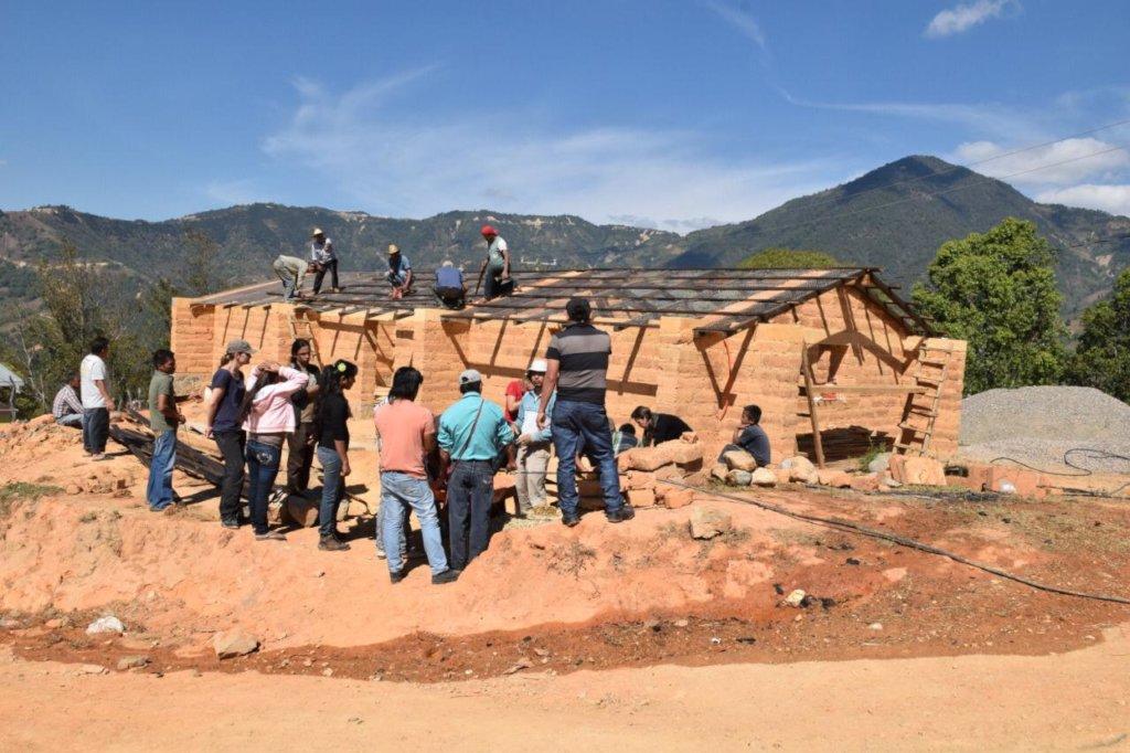 Autoconstruccion de centros comunitarios indigenas
