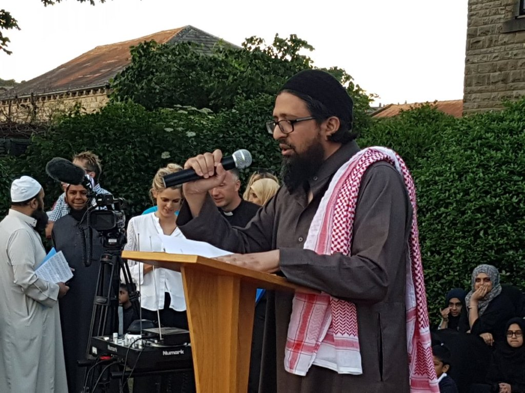 Mohamed of BatleyPoets reciting