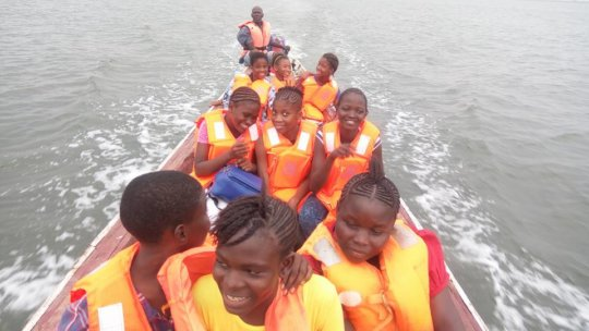 Henry Fergusson pupils going to Bunce Island