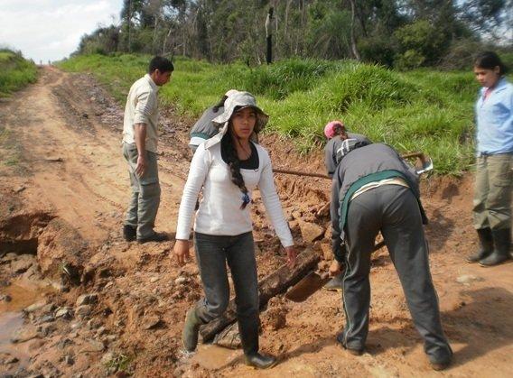 Mbaracayu Girls Hard at Work