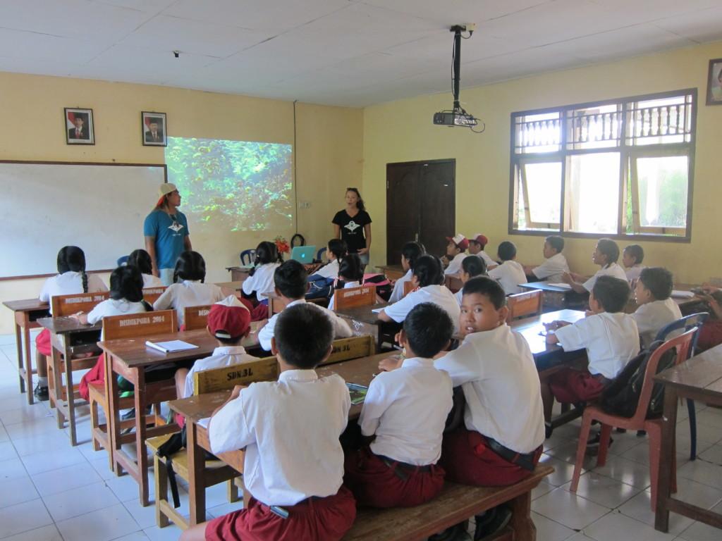 MMF presenting at SDN 3 Lembongan