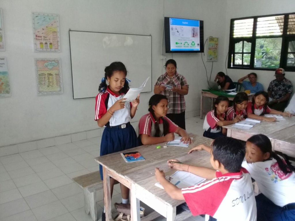 Lesson 7 at SD2 Lembongan