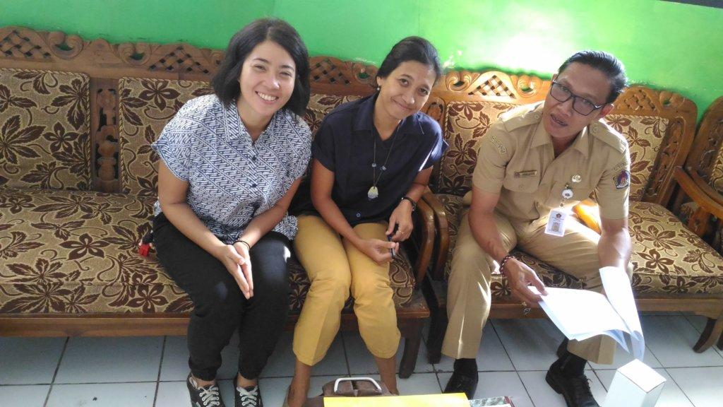 Herni, Ipeh and the Principal of SD2 Lembongan
