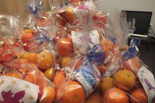 A huge pile of oranges