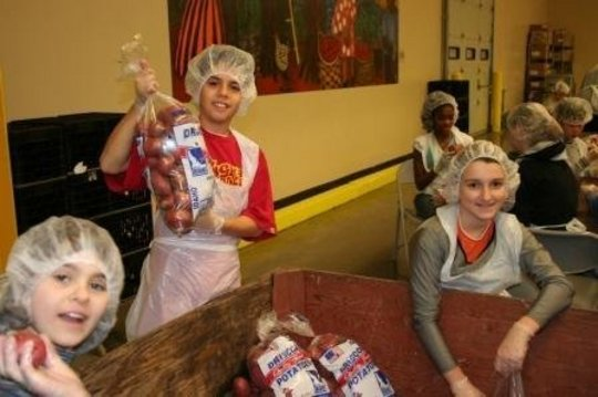 Kids Volunteering
