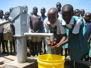 Water and sanitation for 6,000 people in Kenya