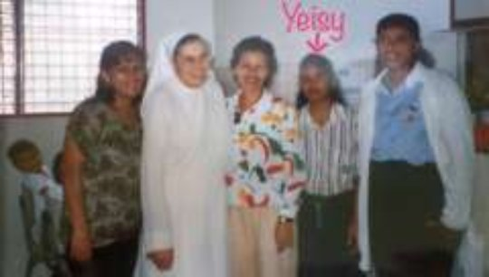 Yeisy with her colleagues and Maria Luisa (2000)