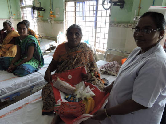 Poor patients in hospital getting nutritious diet