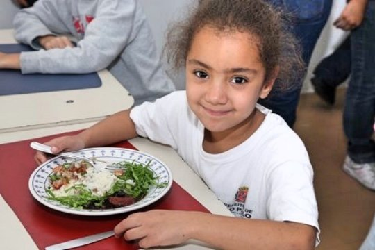 Fight Hunger in Brazil Using Food Waste