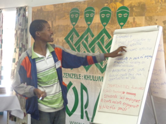 Arts & skills workshops for 100 youth in Zimbabwe