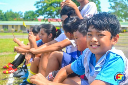 Kids watching on during San Joaquin Festival