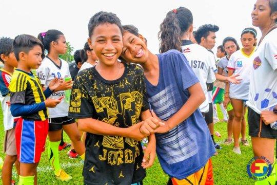 Smiling faces during Sama-Sama Games