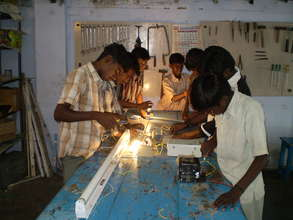 Training in electrics for street youths