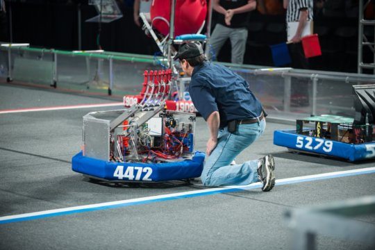 FRC team bot on the field